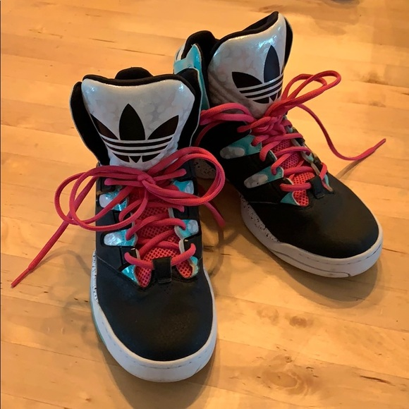 adidas Shoes | Limited Edition Torsion